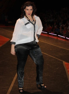 Mulher Virtuosa - Fashion Weekend Plus Size Inverno 2013 - Foto: Gabriel Ortiz